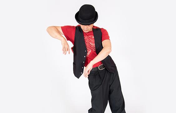 POPPINを踊っている写真